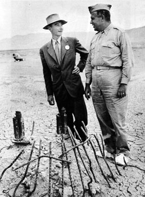 Robert Oppenheimer & General Groves